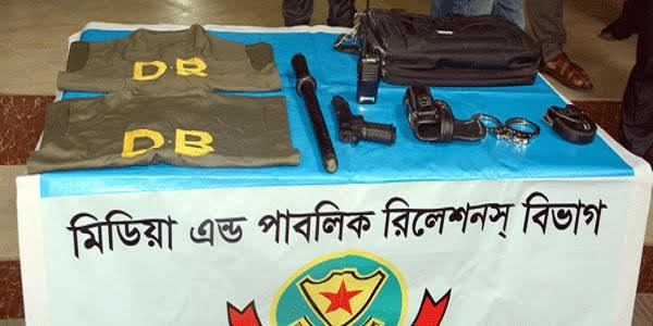Fake cops arrested in Dhaka