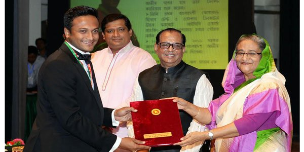32 stars honoured with Bangladesh National Sports Award
