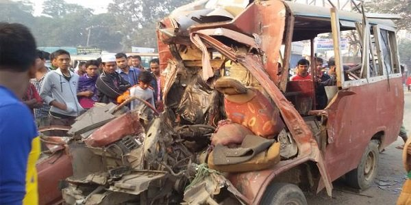 Road mishap kills six in Gazipur