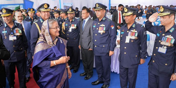 Hasina urges BAF members to be ideal troops
