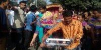 Workers block road in Mirpur over closure of garment factory