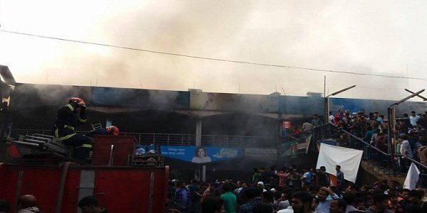 Fire damages 200 shops at Gulshan DCC market