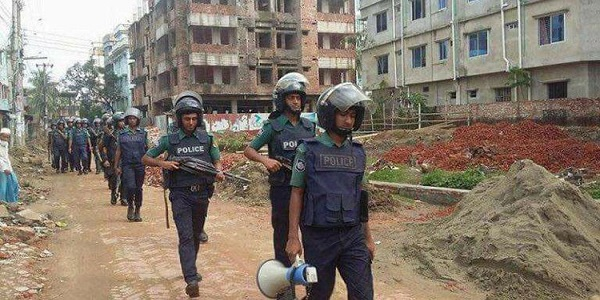 More raids on suspected militants' dens in two Bangladeshi districts