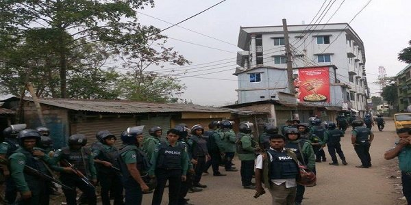 Lawmen cordon off 'militant den' in Sylhet