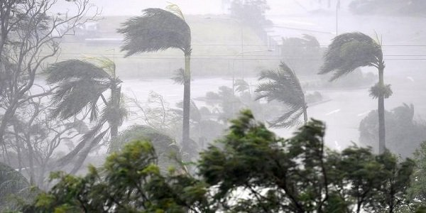 Cyclone kills 6, damages 60,000 homes in Bangladesh