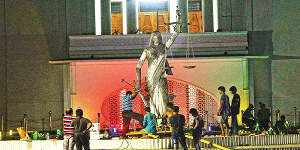 Lady Justice statute removed from Bangladesh apex court