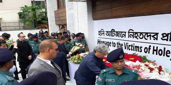 Bangladesh remembers Dhaka café attack victims