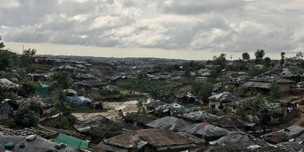 Bangladesh 'pushes back' 146 Rohingya fleeing violence in Myanmar
