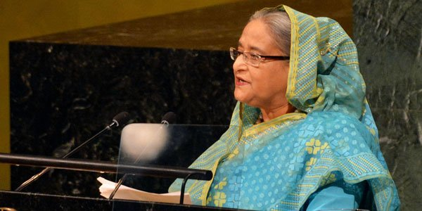 Hasina accorded warm reception on her return home