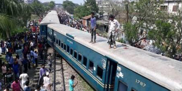 Four die after train derailed in Gazipur