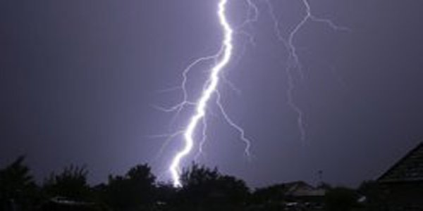 Lightning strikes kill dozen in Bangladesh