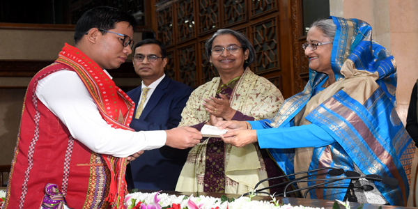Hasina pledges to reduce disparity