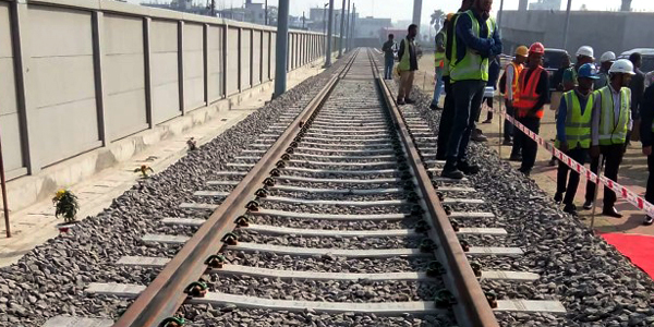 Installation of tracks for Metro rail begins