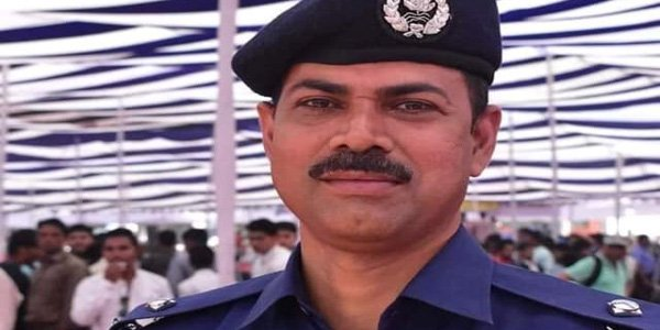 Seven cops suspended over killing of retired army major