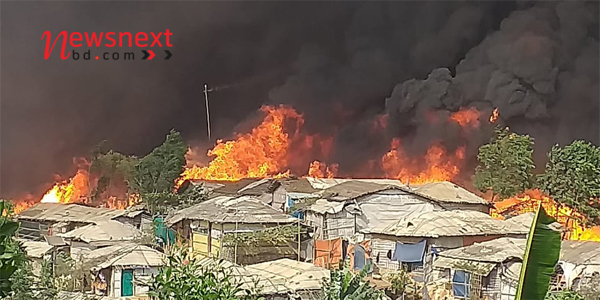 Massive fire ravages Rohingya camp in Bangladesh